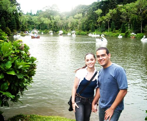 Eu e Nathalee, minha namorada, no Lago Negro em Gramado
