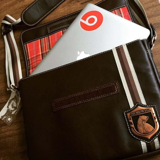 Chegou minha bolsa da @Nordweg pra carregar o MacBook e ela é linda! #Nordweg