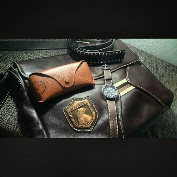 Se tem uma coisa que eu gosto é COURO! #couro #leather #nordweg #seikoskx007 #rayban #bragaleather