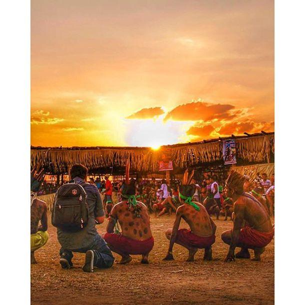 Não me canso de olhar essa cena... #nordweg #Maranhão #MeninaMoça #guajajara #fotografiamoderna #fernandesfotografia // foto: Rafael Araujo